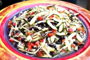 Broich Catering - Locations Veranstaltungen 2016 Sommerfest Broich_sommersalat mit zucchini, paprika und bohnen