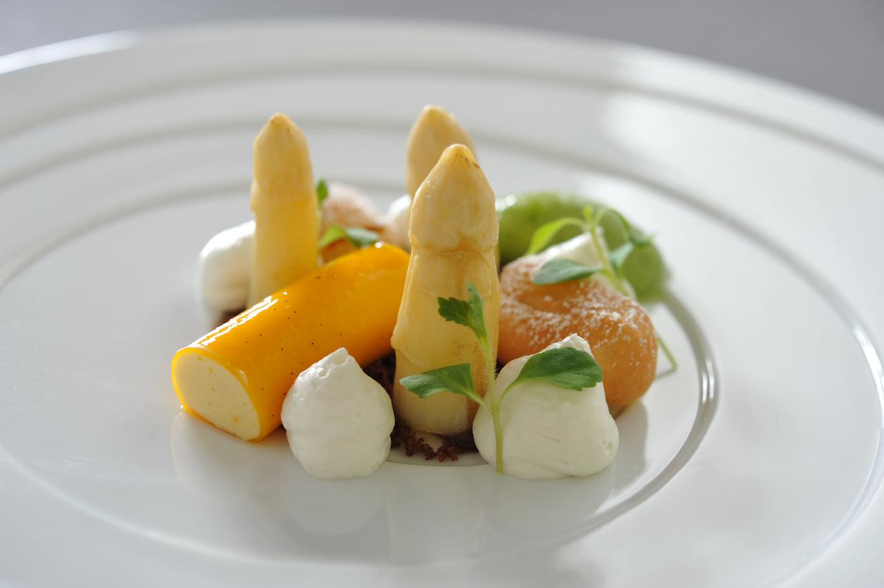 Osterlamm Und Frischer Spargel Eine Köstliche Kombination Broich